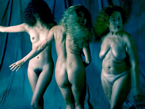 3 dones 02